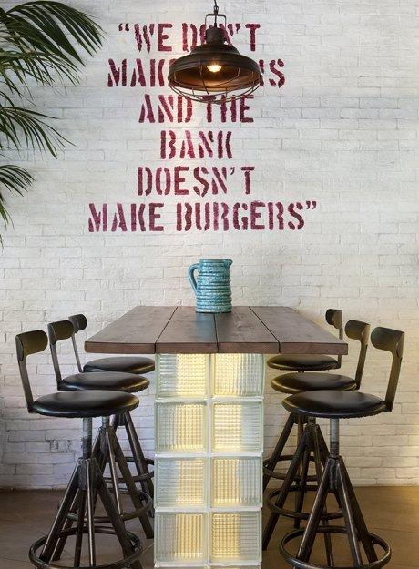 Gigi Burger Restaurant <br>Drosia